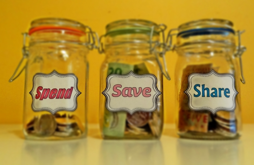 Click here to read my guide to teaching kids how to spend, save and share money.
