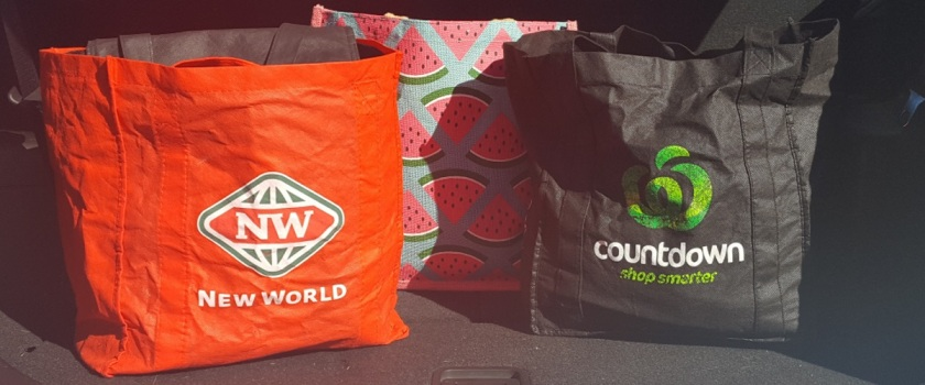 reusable supermarket shopping bags